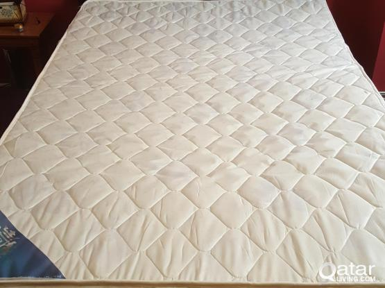 Bed frame with mattress( 200x120cm)