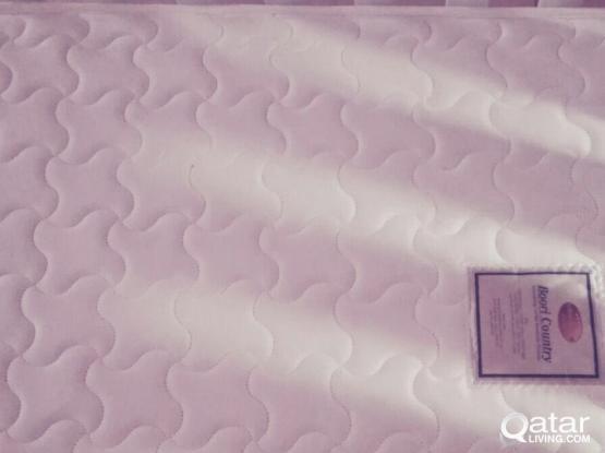 Royal brand baby cradle with mattress qar 500