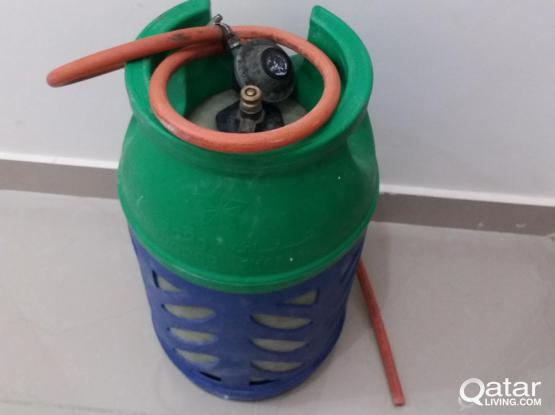 gaz cylinder with regulator and pipe