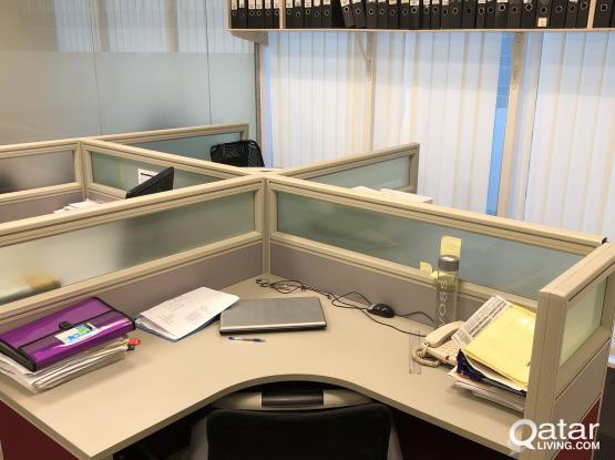 Four - person office workstation desk