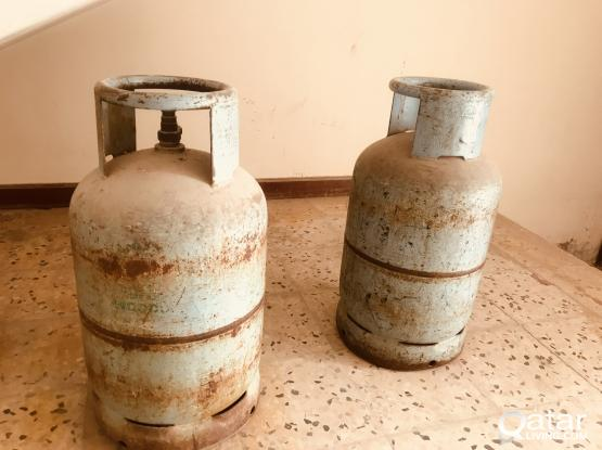 Steel Gas cylinders 2 Nos. Qrs 150/-