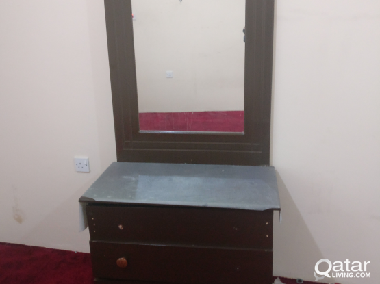 Dressing Table with Mirror for Free