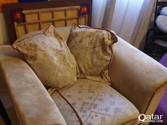 02+01 seater sofa set