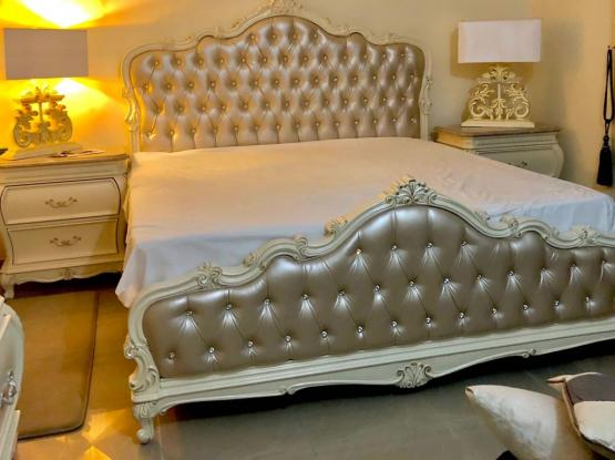 Super King Size Luxury Bed and Side Tables