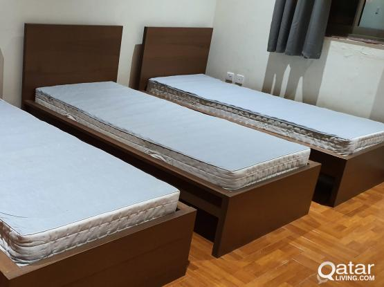3 single beds with mattreses