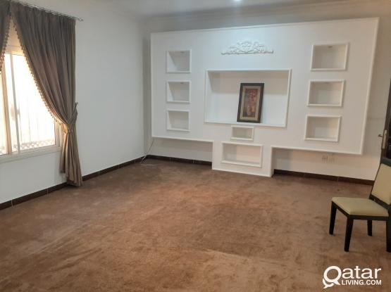 Spacious 3BHK Apt With New Furniture - Mushreib