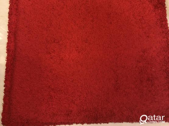 Red color floor mat/carpet