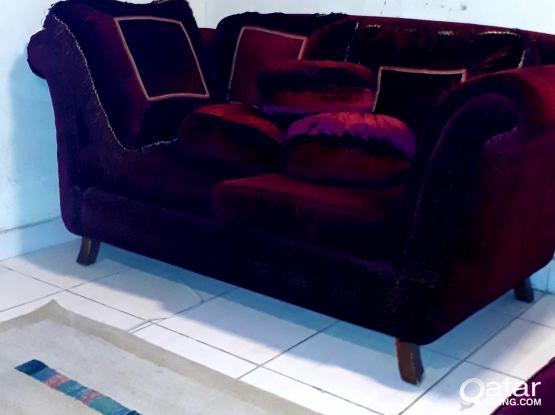 Sofa set for 400 QR(بسعر مُخفض جدا ،  مجموعة أنتريه كاملة )