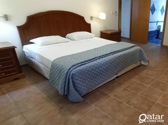 FULLY FURNISHED BIG 3BHK + MAID ROOM (NEAR CITY CENTER, 1 MONTH FREE!!)