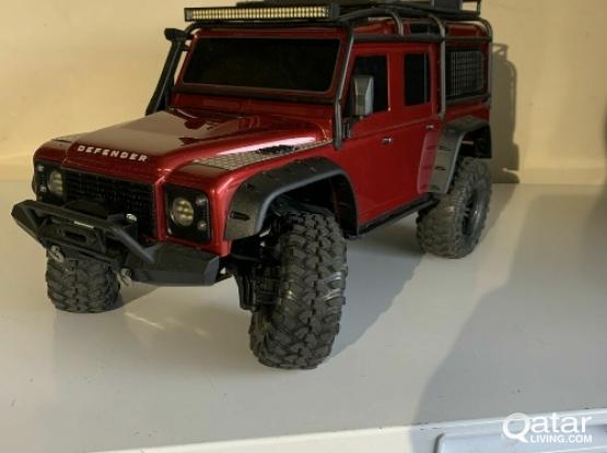 RC CAR TRAXXAS TRX-4 DEFENDER with upgrades & accessories