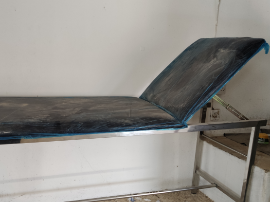 Stainless steel patients examination bed