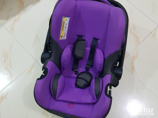 Baby/Infant Car seat WhatsApp 33897572 Madina khalifa south back side of al meera