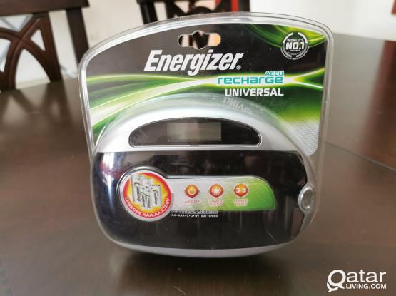 Energizer ACCU Recharge Universal - NEW