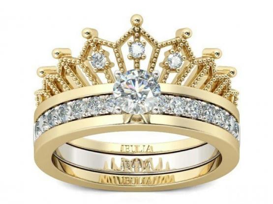 Unique Lady's ring