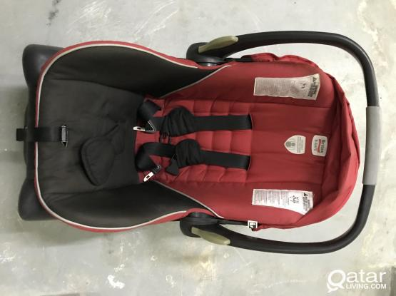 Tow. Kids car seat for sale in 200 each good condition