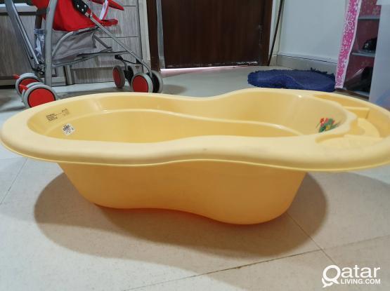 Baby bath tub, Baby feeder