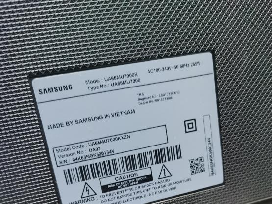 Samsung 65 inch 4k Smart tv with box