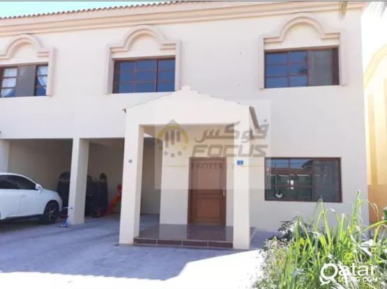 No Commission Very spacious 3+1 maid room semi/f compound villa.....