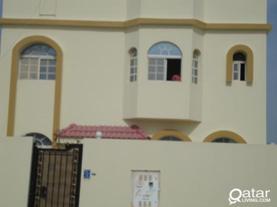 Decent Family /Lady staff/Executives 8bhk Villa Ainkhalid 1Month free