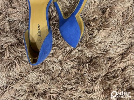 Etam Blue velvet sandals