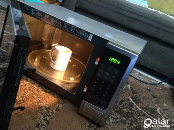 Samsung microwave 32litre as new in warranty