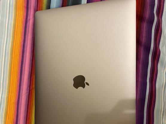 Macbook Pro 15inch With Touchbar