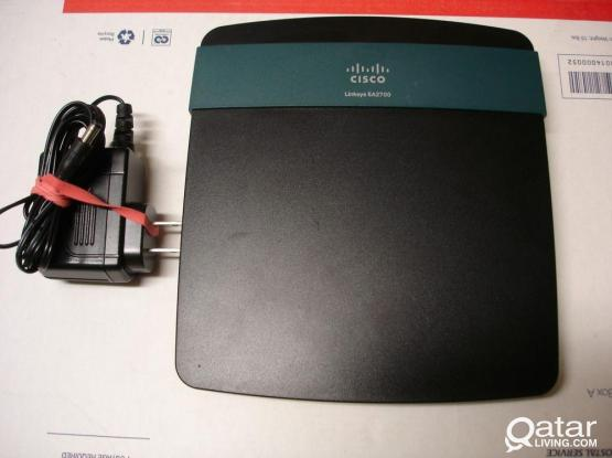 Linksys DualBand Smart Wifi Router ( EA2700 )