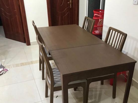 Extendable Dining Table. HomesRus.