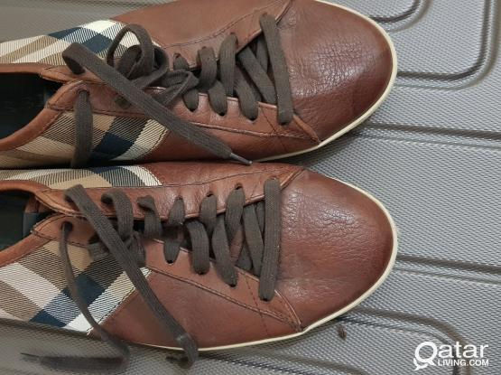 Branded shoes BURBERRY Sz: 44