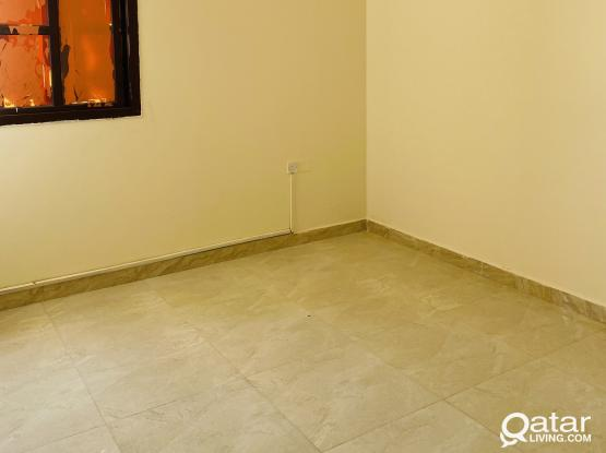 1BHK FOR  FAMILY@IZGAWA,NO COOMISSION.