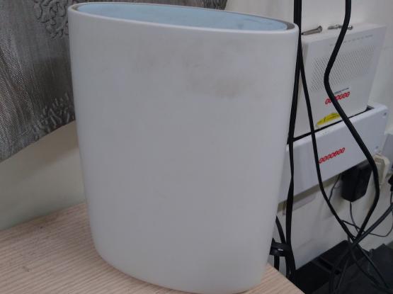 Orbi router