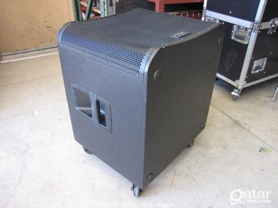 QSC KW 181 - 1000W POWERED SUBS PAIR
