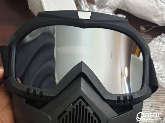 Mask with goggle قناع