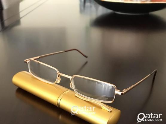 Golden pocket frame