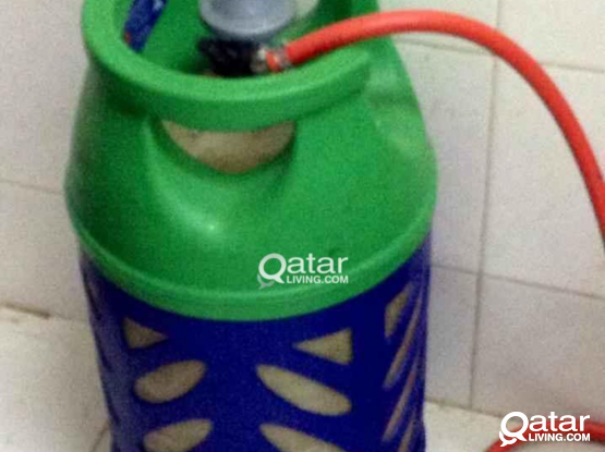 Gas cylinder12kg with hose and regulator, delivery available