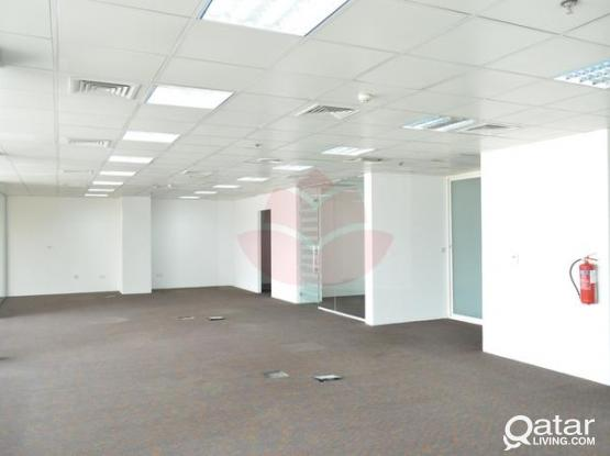 220 Sqm 5 Rooms Glass Partitioned Office Space