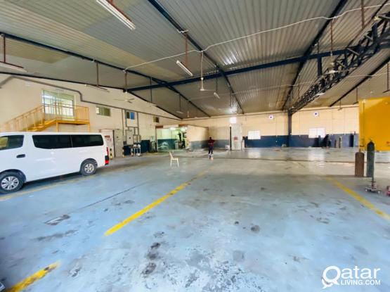 1500sqm Garage With 7 Room In Industrial Area
