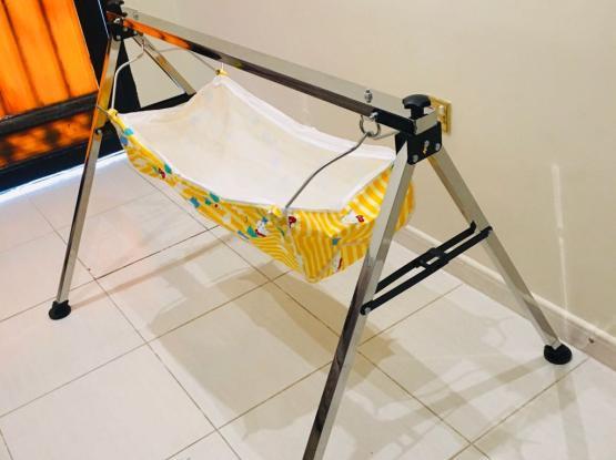 Baby Cradle/Swing ( Brand New-Unused)