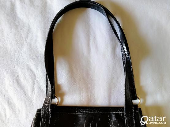 Hand bag for ladies