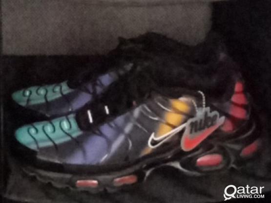 Nike air max TN plus  crimson black  NEW uk9.5 Eu 43.5