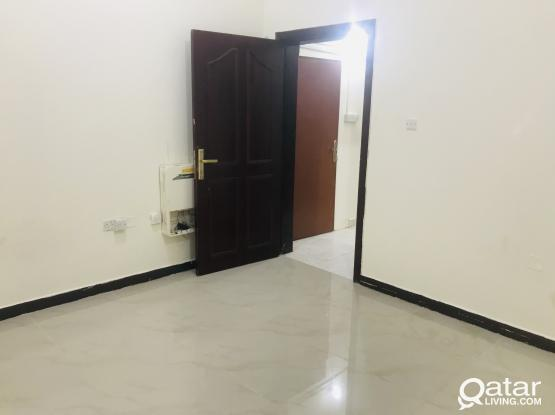 SPECIAS 1 BHK AVAILABLE IN THUMAMA NEAR KARAHMA