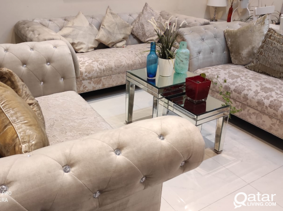 Brand new condition beautiful Nd elegant sofa