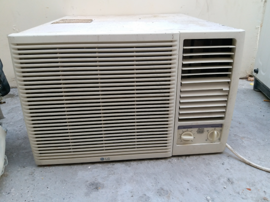 WlNDOW LG AC FOR SELL GOOD QUALITY CALL.ME70697610