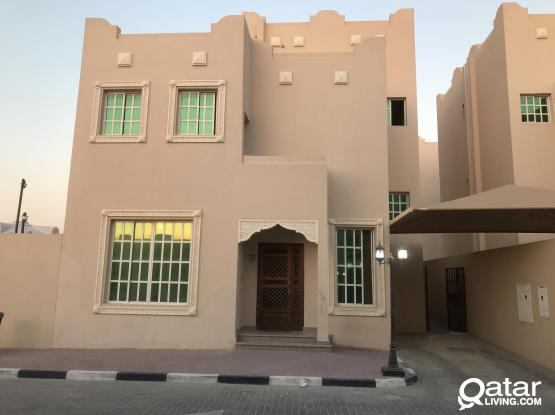 Bachelors compound villa for rent in Abu hamour
