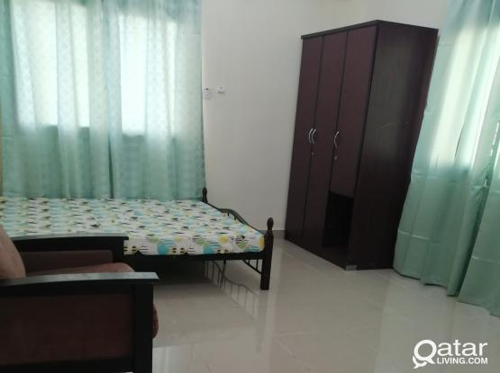 With Parking & Near Metro Stations Big concrete room 2200 riyal w/big attached bathroom and other rooms 1800, 1600 riyal room in Najma available with easy access and free bus in Umghalina Toyota Metro