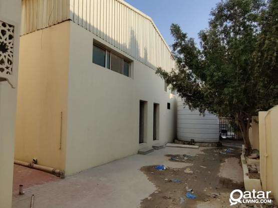 350 Food Store & 6 Room For Rent