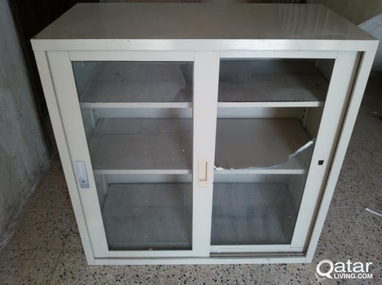 Aluminium cabinet shelf