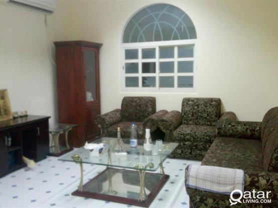 Good condition very specious 1 bhk villa apartment without gypsum partition Available with big kitchen at azizia al waab near villagio and Hyatt plaza only for family or ladies staff