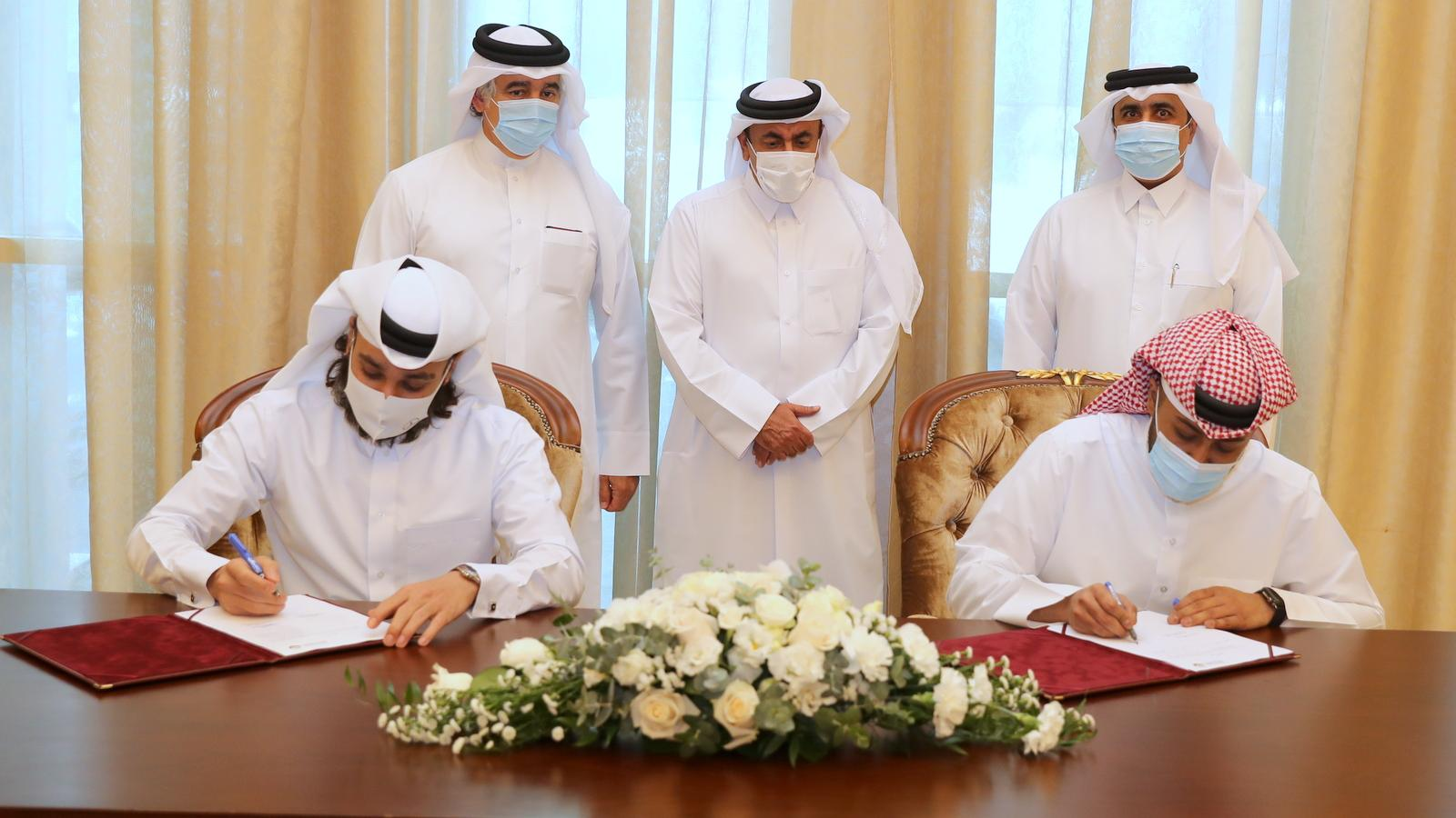 MoTC signs MoUs to provide free electric vehicle charging units