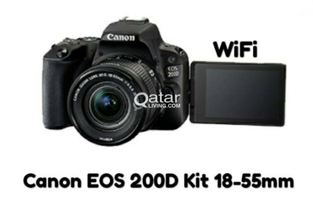 Canon EOS 200D with 18-55 lens and bag